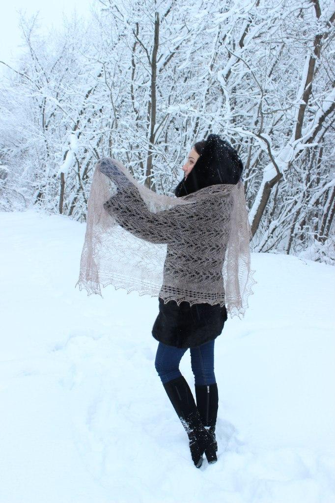 Легкий платок - лучший подарок на 8 марта